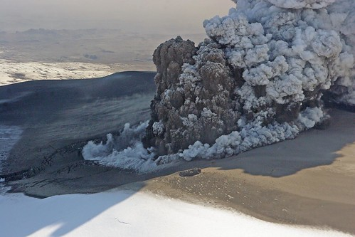 Volcanic Eruption in Eyjafjallajökull by baldvinh.
