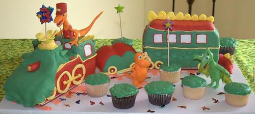 dinosaur train and cupcakes