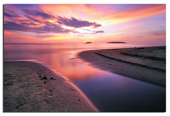 Tanjung Aru Sunset (Nora Carol) Tags: longexposure sunset reflection beach colors clouds moving borneo kotakinabalu sabah kinabalu tanjungaru malaysianphotographer amazingreflection northborneo noracarol sabahanphotographer landscapephotographerfromsabah womanlandscapephotographer womaninphotography