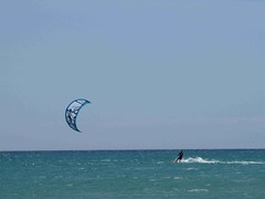 IMG_2764 (miss_verstaendnis) Tags: ocean sea sun kite beach water strand meer wasser sommer fuerteventura kitesurfing atlantic canaries sonne atlanticocean canaryisland fuerte kitesurfen sotavento wassersport sotaventobeach