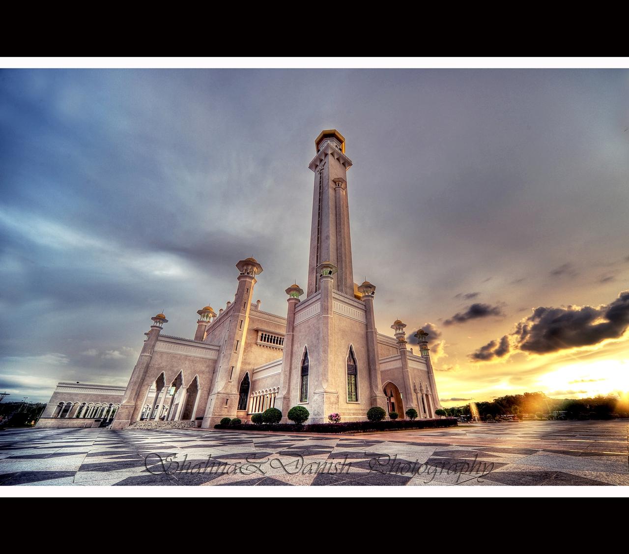 Masjid Omar Ali Saifuddien