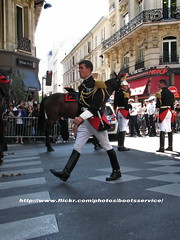 IMG_0835.R.ID (bootsservice) Tags: horses horse paris army cheval spurs uniform boots cavalier uniforms rider garde cavalry bottes riders arme chevaux uniforme gendarme cavaliers breeches gendarmerie cavalerie uniformes ridingboots gendarmes rpublicaine eperons
