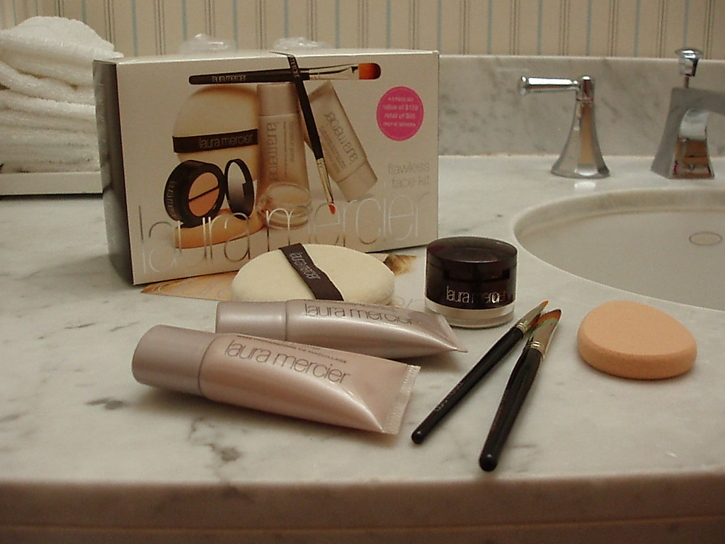 NYC Mini-Haul: Laura Mercier Flawless Face Kit