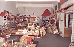 "La bottega di Mastro Geppetto: il negozio <a style=""margin-left:10px; font-size:0.8em;"" href=""http://www.flickr.com/photos/49285536@N04/4606535178/"" target=""_blank"">@flickr</a>"