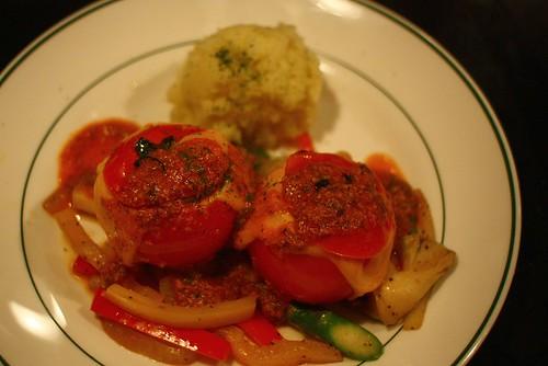 炭烤填充蕃茄與北非小米
