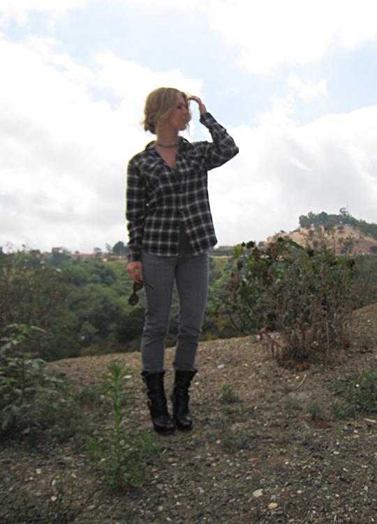 plaid+flannel+gray jeans+michael kors boots-3