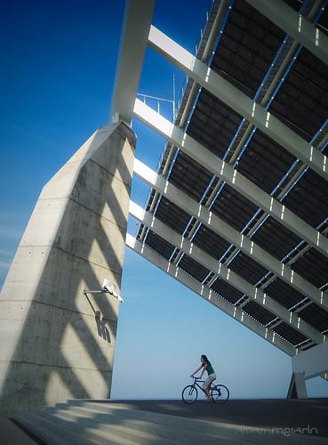Bajo el panel solar by Alvaro Melado