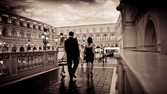 The Venetian Las Vegas (Momento Creative) Tags: vegas wedding sky clouds america nikon lasvegas nevada casino adobe venetian inside nikkor noise cinematic lightroom thevenetian 1600iso d90 1685 splittoning 9x16