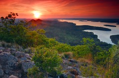 Pinnacle Mountain vista (photogg19) Tags: sunset lake river nikon stream littlerock arkansas lakemaumelle pinnaclemountain ozark d40 elitephotography passiondclic