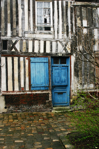 Honfleur street 3
