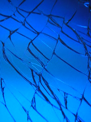 cracked iphone screen - Blue Screen of Death - Day 6