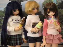 Aika & Lien celebrate Himeno's arrival with ice cream