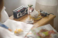 the most important things... (JennWrenn) Tags: camera doll blythe rement teaset maxine cassetteplayer breakfastinbed pdaubrena luckyblythemagazine