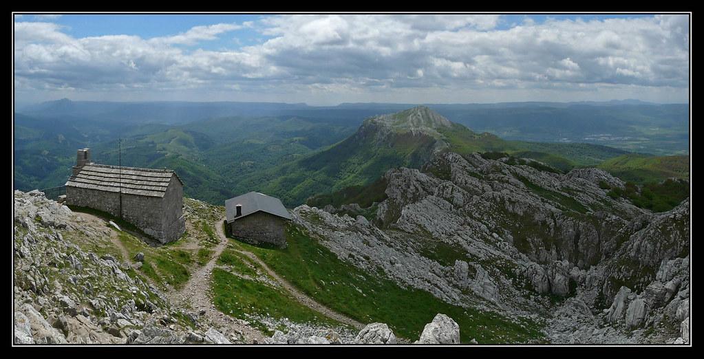 Ermita del Santo Cristo y Refugio en Aizgorri