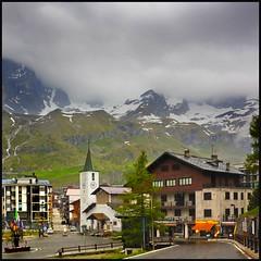 Breuil-Cervinia (Pilar Azaa Taln ) Tags: italy alpes italia suiza montaas alpessuizos cervino abigfave breuilcervinia paesaggimontani 100commentgroup pilarazaa