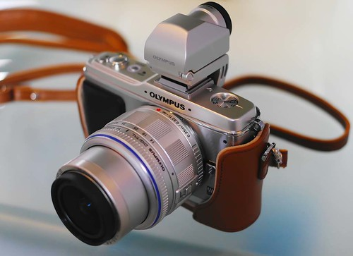 Silver Olympus E-P2 14-42 Kit Zoom