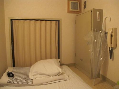 6_Capsule_Hotel