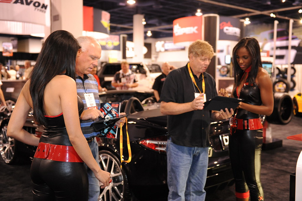 Pirelli girls and consumers using iPads