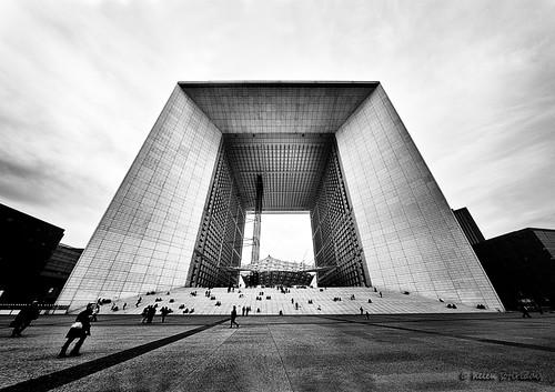 la grande arche de la défense - a panorama