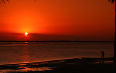 Early Morning Fishing (10nisBoy) Tags: sunrise saudiarabia jubail canonef24105mmf4l canoneos40d