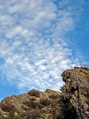 Las causas perdidas (.Bambo.) Tags: sky cloud landscape navidad paisaje cielo nubes montaa deseo nadal roca imaginacin zenet