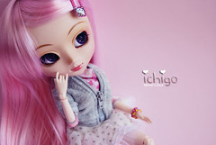 Ichigo 14 (Kristter.) Tags: new scarf big eyes doll eyelashes melody planning pullip rement jun ichigo akai papin rewigged