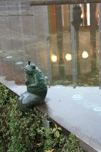 園區裡面我最喜歡的竟然是這青蛙王子