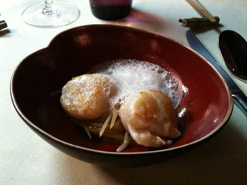 Yam'Tcha: Sea scallops with grated potatoes and dried bay scallop emulsion