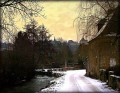 dernire neige..... (kate053(absente)) Tags: winter snow france castle castles sainte village branches hiver suzanne villages neige chateau legacy chteau chemin clocher mayenne chteaux saintesuzanne branchages abigfave stesuzanne redmatrix