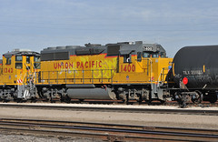 UP GP40-2 number 1400 and UPY MP15DC number 1342 switching Tucson Yard, January 7, 2010 (Ivan S. Abrams) Tags: railroad chicago phoenix up train losangeles illinois nebraska tucson railway trains unionpacific railways e9 e8 uprr sd402 sw1500 sd40 gp402 sd70m c449w es44ac mp15dc bensonarizona northplattenebraska sybilarizona ivansabrams pimacountyarizona cochisecountyarizona davidsoncanyonarizona lacienegaarizona abramsandmcdanielinternationallawandeconomicdiplomacy ivansabramsarizonaattorney ivansabramsbauniversityofpittsburghjduniversityofpittsburghllmuniversityofarizonainternationallawyer