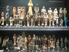 Louvre Museum - Shabti Statues (*Checco*) Tags: sculpture paris art statue museum artist louvre egypt funeral figurines egyptian museo statua egitto shabti parigi servants muséedulouvre louvremuseum egizio