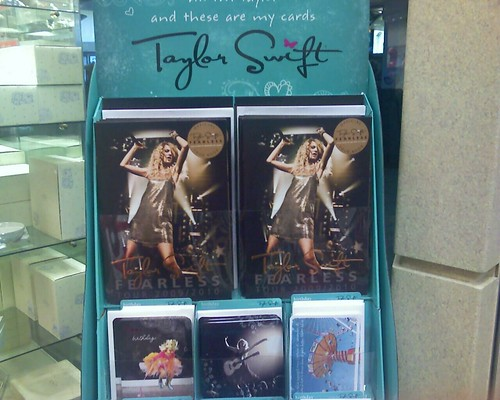 OMG. Grammy girl Taylor Swift has her own line of greeting cards!