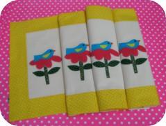 Jogo Americano... (Joana Joaninha) Tags: bird brasil casa flor rosa passarinho belohorizonte colorido aplicao amrelo jogoamericano pa joanajoaninha