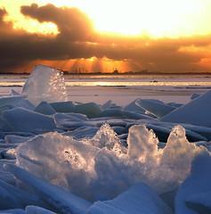 Little Spitzbergen in Amsterdam (Bn) Tags: winter sunset cold ice iceage frozen topf50 bevroren nederland vivid topf300 greenhouse sphere dijk topf100 bizarre dike topf200 flevoland ijsselmeer frozenlake almere kou ijs icefield polarice icecold sfeer topf400 fireandice ijmeer icemountain winterinholland markermeer hummocks 100faves 50faves extremesunset vriezen 200faves icedrift driftice kruien 300faves winter2010 400faves ijsschotsen kruiendijs oostvaardersdijk klimaatveranderingen winterinthenetherlands vuurenvlam ijsvlakte glacialage skylineofamsterdam zoetwatermeer littleiceageruns eilandpampus islandpampus ijskappen spectaculairbevroren tedunijs meltinghummocks ijmeerbevroren frozenlakeijmeer klimaatopaarde icedrifting hollandwinter2010 icebergonfire flamesandfire dramaticevening topofaniceberg topeoftheicebergonfire littledutchiceberg littlespitzbergen
