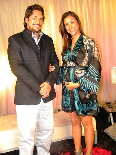 2.-René Brea y Seliné Mendez, mostrando su embarazo