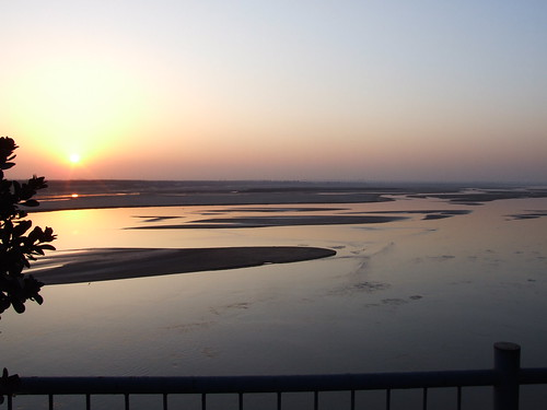 Sun sets over the Yellow River