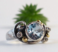 Seaside1 (Castens Jewellery) Tags: blue silver gold jewelry ring curl gem facet