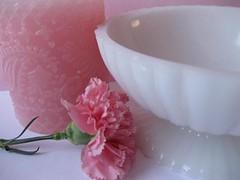 lovely milk glass (jenscloset) Tags: china irish white glass animal coffeecup retro owl mug rooster plates bowls atomic shamrock vases wallhanging barware eamesera clipearrings mikglass goldstarburst