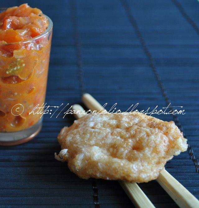 frittelline di gamberi con sambal di pomodoro