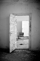 Doorway (Davidap2009) Tags: leica blackandwhite abandoned hospital scary decay empty ruin rangefinder haunted creepy spooky mp nightmare macabre ilfordxp2 asylum derelict deserted psychiatric mentalhospital urbex unused leicamp explored davidwilliamson leicasummicron50mmf20iii Camera:make=leica liermentalhospital liermentalsykehus Camera:model=mp