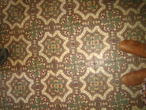 vloer hal en voorste kamer