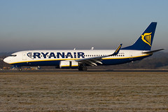 EI-EFO - 37539 - Ryanair - Boeing 737-8AS - Luton - 100104 - Steven Gray - IMG_5980