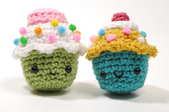 fancy cupcake pair (callie callie jump jump) Tags: set burlington dessert cupcakes stuffed vermont handmade crochet plush yarn donut kawaii sweets etsy fiber amigurumi hotcocoa stuffie urbanfarmgirl erinnsimon