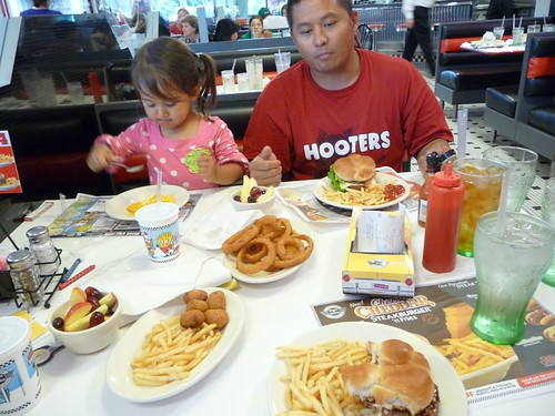 feeding time at steak n shake.