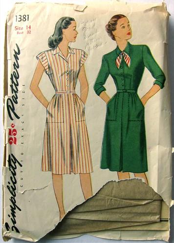 Vintage Simplicity 1381 dress