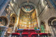 Altarpiece  Retablo, Catedral Vieja, Salamanca (Spain), HDR 2 (marcp_dmoz) Tags: lighting old light espaa luz church architecture photoshop licht spain arquitectura nikon cathedral map interior gothic vieja kathedra