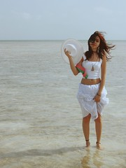 The Keys [47] / Day XCVIII ((◡‿◡✿) lightweight) Tags: ocean shadow white beach water hat project pose keys flow clothing holding hands day shadows photoshoot florida skirt 98 365 shallow lifting yuliana flowy