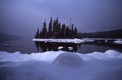 Lake Wenatchee Island (Peter Schnurman) Tags: snow island washington unitedstates plain lakewenatchee