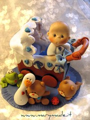 Francesco and his friends (marytempesta) Tags: babies baptism frogs teddybears ccaketoppers