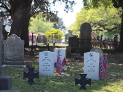 Confederate Graves, Magnolia Cemetery (HeyItsWilliam) Tags: graveyard flag south southcarolina graves confederate charleston southern civilwar